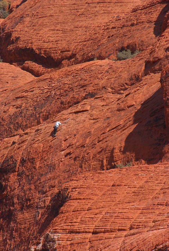 Climber, Red Rocks State Park, Las Vegas. Ernie Mastroianni photo.