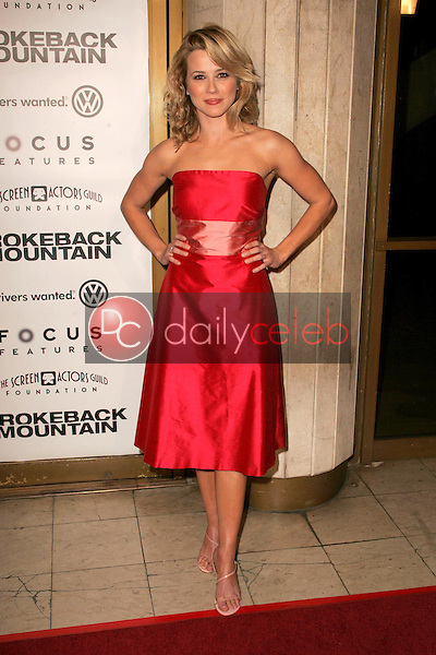 """Linda Cardellini<br />at the premiere of """"Brokeback Mountain"""". Mann National Theatre, Westwood, CA. 11-29-05<br />Dave Edwards/DailyCeleb.com 818-249-4998"""