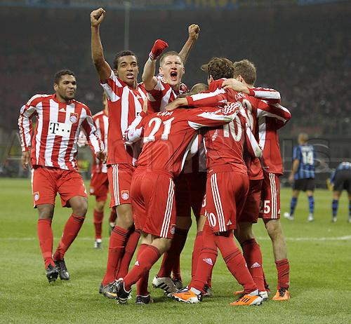 23 02 2011   Football Champions League Inter Milan FC Bayern  Munich in Stadium Giuseppe Meazza goal celebration Mario Gomez  Munich
