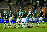 CALI - COLOMBIA - 15 - 10 - 2017: Los jugadores de Deportivo Cali, se retiran de la cancha al final del primer tiempo, durante partido de la fecha 15 entre Deportivo Cali y La Equidad, por la Liga Aguila II- 2017, jugado en el estadio Deportivo Cali (Palmaseca) de la ciudad de Cali. / The players of Deportivo Cali, leave out the field at the end of the first time, during a match of the date 15th between Deportivo Cali and La Equidad, for the Liga Aguila II- 2017 at the Deportivo Cali (Palmaseca) stadium in Cali city. Photo: VizzorImage  / Nelson Rios / Cont.