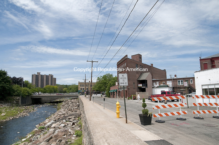 TORRINGTON, CT, 05  JUNE 15 -  The city last week closed the first 384-feet of Franklin Street, from Main Street to Volkman Lane, to traffic so events can be held in the space.  Alec Johnson/ Republican-American