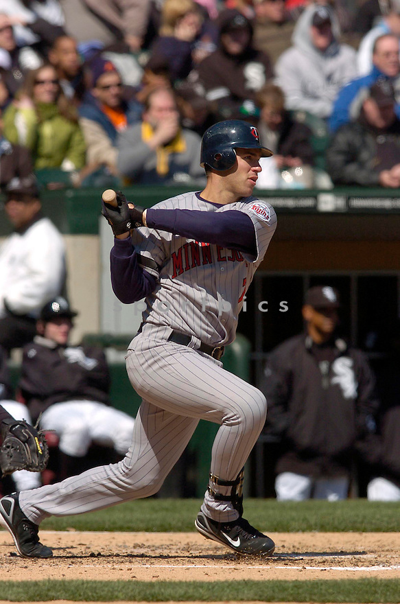 JOE MAUER, of the Minnesota Twins, in action against the Chicago White Sox on April 8, 2007 in Chicago, IL...Twins win 3-1..CHRIS BERNACCHI/ SPORTPICS..