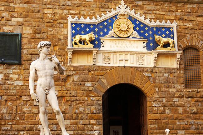 Palazzio Vecchio - Statue of David and Front door - Piazza Della Signora - Florence  - Italy