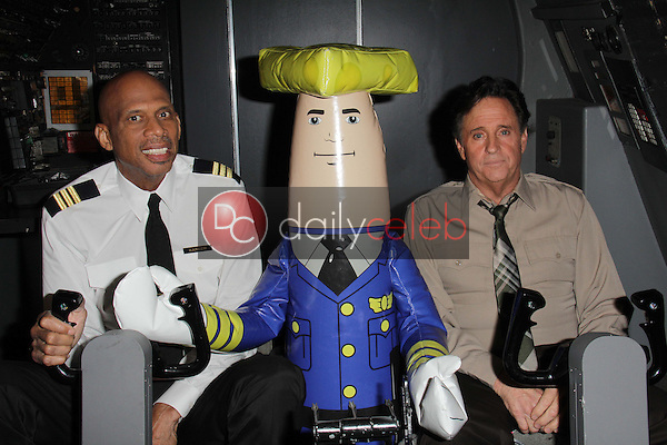 Kareem Abdul-Jabbar, Robert Hays<br />