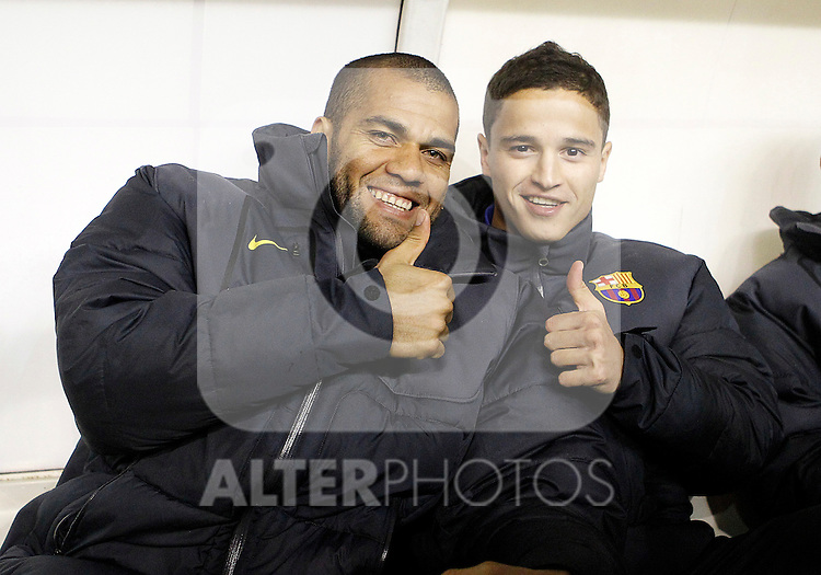 FC Barcelona's Daniel Alves (l) and Ibrahim Afellay during La Liga match.April 29,2012. (ALTERPHOTOS/Acero)