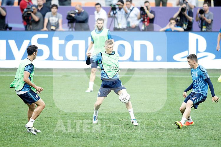 Real Madrid's Alvaro Arbeloa, Nacho Fernandez, Toni Kroos and Mateo Kovacic during Champions League 2015/2016 training session. May 27,2016. (ALTERPHOTOS/Acero)