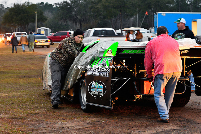 Feb 06, 2014; 7:01:20 PM; Waynesville, GA., USA; The Lucas Oil Late Model Dirt Series running The Georgia Boot Super Bowl of Racing at Golden Isles Speedway.  Mandatory Credit: (thesportswire.net)