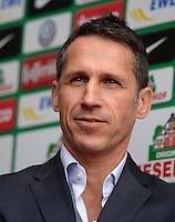 FUSSBALL   1. BUNDESLIGA   SAISON 2013/2014   9. SPIELTAG SV Werder Bremen - SC Freiburg                           19.10.2013 Manager Thomas Eichin (SV Werder Bremen)