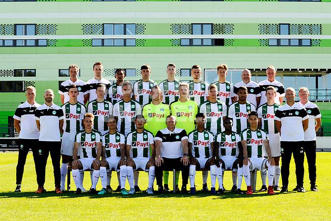 GRONINGEN - Presentatie FC Groningen o23, seizoen 2018-2019,   30-06-2018,  staand achter vnlr. Theo Bloem clubvertegenwoordiger), Jeroen IJmker (fysio), Taptahoe Sopacua, Matthijs Hardijk, Tim Riksman, Luka Prljic, Mees Gootjes, Theo Terpstra (materiaalman), Henk Vegter (teammanager). Midden vnlr: Johan van der Ploeg (verzorger), Arend Jan Vredeveld (fysiek trainer), Thijs Dallinga, Daniel Bouman, Nick Plomper, Pelle Boevink, Martijn van Maastrigt, Kellian van der Kaap, Luuk Wouters, Gerard Wiekens (assistent trainer) Erzo Kluiters (verzorger). Voor vlnr: Marijn Ploem, Daniel van Kaam, Antonio Manolache, Aolfons Arts (trainer), Rano Burger, Jhurrey Margaritha, Antonio Sefer.