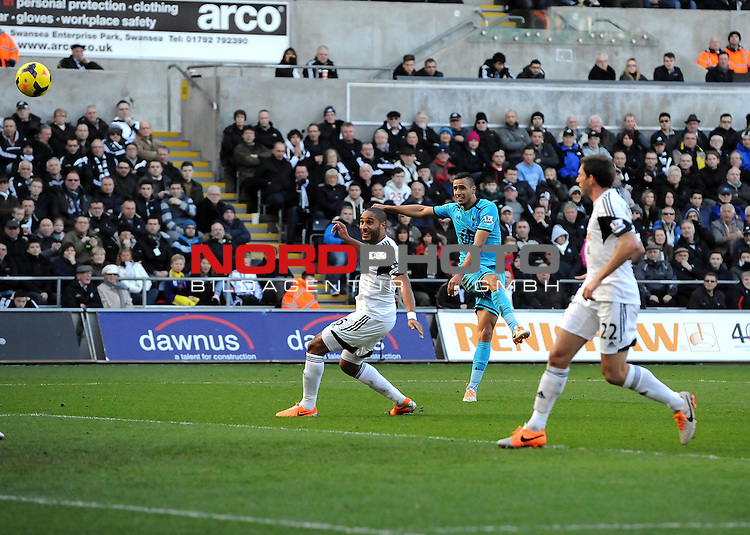 Tottenham Hotspur's Nacer Chadli volleys narrowly over -   19/01/2014 - SPORT - FOOTBALL - Liberty Stadium - Swansea - Swansea City v Tottenham Hotspur - Barclays Premier League<br /> Foto nph / Meredith<br /> <br /> ***** OUT OF UK *****