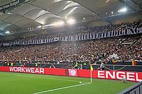 Fans hoffen auf die Titelverteidigung im kommenden Jahr - 04.09.2017: Deutschland vs. Norwegen, Mercedes Benz Arena Stuttgart