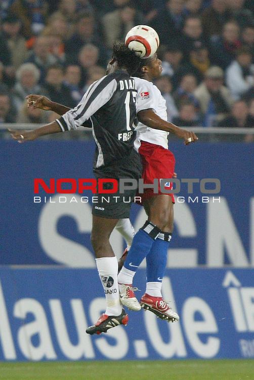 Bundesliga 2004/2005 -  Hamburger SV <br /> Hamburger SV vs SC Freiburg<br /> Der Freiburger Boubacar Diarra kaempt mit Emile Mpenza um den Ball.<br /> Foto &copy; nordphoto - Anja Heinemann<br /> <br /> <br /> <br />  *** Local Caption *** Foto ist honorarpflichtig! zzgl. gesetzl. MwSt.<br /> <br /> Belegexemplar erforderlich<br /> <br /> Adresse: nordphoto<br /> <br /> Georg-Reinke-Strasse 1<br /> <br /> 49377 Vechta