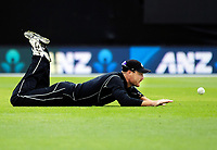 Martin Guptill fields during the One Day International cricket match between the NZ Black Caps and Pakistan at the Basin Reserve in Wellington, New Zealand on Saturday, 6 January 2018. Photo: Dave Lintott / lintottphoto.co.nz