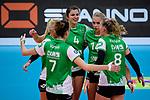 03.12.2017, Halle Berg Fidel, Muenster<br />Volleyball, Bundesliga Frauen, Normalrunde, USC MŸnster / Muenster vs. Rote Raben Vilsbiburg<br /><br />Jubel Mareike Hindriksen (#2 Muenster), Ivana Vanjak (#7 Muenster), Juliet Lohuis (#4 Muenster), Lena Vedder (#14 Muenster), Lina Alsmeier (#8 Muenster)<br /><br />  Foto &copy; nordphoto / Kurth