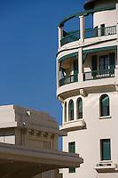 Europe/France/Aquitaine/64/Pyrénées-Atlantiques/Biarritz:Façade du Casino et Immeuble deux exemples de l'architecture Art-Déco de la ville