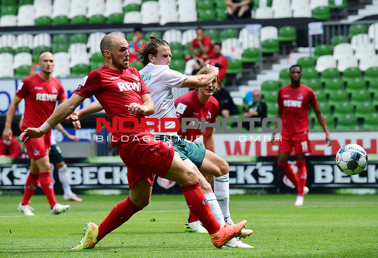 3:0 Tor, v.l. Rafael Czichos, Torschuetze Niclas Fuellkrug (Bremen)<br />