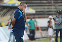 NEIVA - COLOMBIA, 01-09-2018: Nestor Craviotto técnico de Atlético Huila gesticula durante partido con Leones F.C. por la fecha 7 de la Liga Águila II 2018 jugado en el estadio Guillermo Plazas Alcid de la ciudad de Neiva. / Nestor Craviotto coach of Atletico Huila gestures during match against Leones F.C. for the date 7 of the Aguila League II 2018 played at Guillermo Plazas Alcid in Neiva city. VizzorImage / Sergio Reyes / Cont