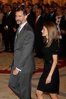 MADRI, ESPANHA, 05 DEZEMBRO 2012 - PREMIACAO MELHORES DO ESPORTE ESPANHOL - O princepe Felipe e a princesa Letizia durante cerimonia de entrega do Premio Melhores do Esporte Espanhol, no Palacio El Pardo em Madri, capital da Espanha, nesta quarta-feira, 19. (FOTO: ALEX CID FUENTES / ALFAQUI / BRAZIL PHOTO PRESS).