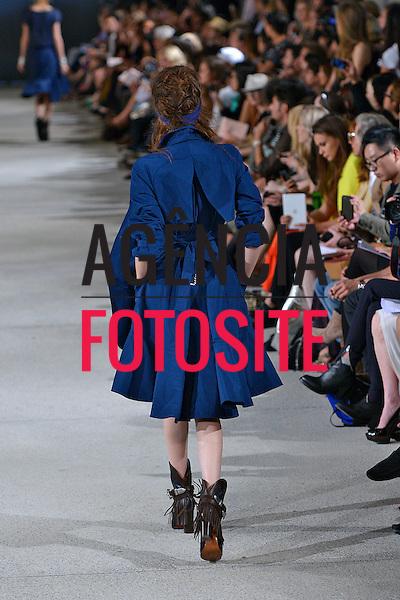 Paris, Franca &sbquo;25/09/2013 - Desfile de Alexis Mabile durante a Semana de moda de Paris  -  Verao 2014. <br /> Foto: FOTOSITE
