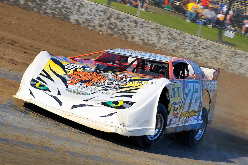 Jun 5, 2009; 7:09:30 PM; Rossburg, OH., USA; The running of the Dream XV  Dirt Late Models at the Eldora Speedway.  Mandatory Credit: (thesportswire.net)