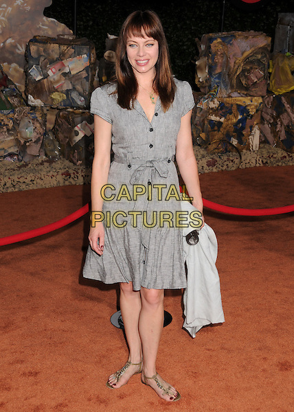 "MELINDA CLARKE .""Wall-E"" World Premiere at the Greek Theatre, Los Angeles, California, USA..June 21st, 2008.full length grey gray shirt dress sandals .CAP/ADM/BP.©Byron Purvis/AdMedia/Capital Pictures."