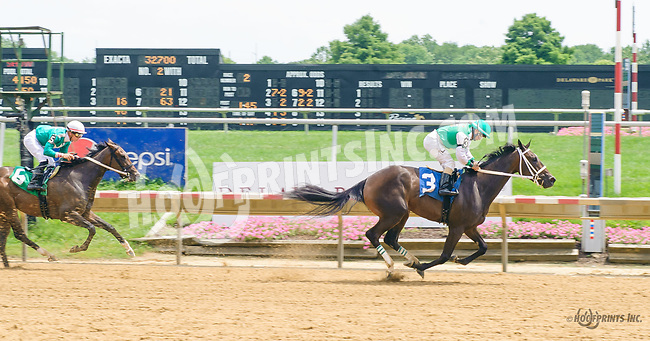 Maurer Power winning at Delaware Park on 7/15/17