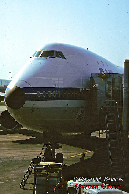 Plane - 747