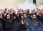 ***BETALBILD***  <br /> Stockholm 2015-05-25 Fotboll Allsvenskan Djurg&aring;rdens IF - AIK :  <br /> AIK:s supportrar p&aring; G&ouml;tgatan under marschen mot Tele2 Arena inf&ouml;r matchen mellan Djurg&aring;rdens IF och AIK <br /> (Foto: Kenta J&ouml;nsson) Nyckelord:  Fotboll Allsvenskan Djurg&aring;rden DIF Tele2 Arena AIK Gnaget supporter fans publik supporters