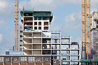 Nederland - Amsterdam- 2019. Nieuwbouw langs het IJ in Amsterdam Noord. Nieuwbouw bij de NDSM-Werf.  Foto Berlinda van Dam / Hollandse Hoogte