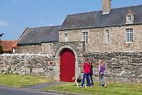 Europe/France/Normandie/Basse-Normandie/50/Manche/Barneville-Carteret : Vieux logis sur le Port de Carteret / Europe/France/Normandie/Basse-Normandie/50/Manche/Barneville-Carteret:  Old house near the  Port of Carteret