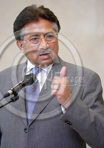 BRUSSELS - BELGIUM - 12 SEPTEMBER 2006 -- The President of Pakistan Pervez Musharraf and President of the European Union Commission (Not pictured), attend a press conference at the end of their meeting at the European Headquarters in Brussels.  -- PHOTO: THIERRY MONASSE / EUP-IMAGES