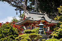 Temple Gate, Japanese Tea Garden, Golden Gate Park, San Francisco, California, USA, North America