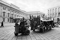 - Milano,1976, sciopero generale, lavoratori dell'ortomercato<br /> <br /> - Milan, 1976, general strike, workers in the fruit and vegetable market