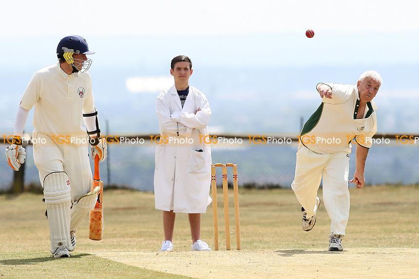 Havering-atte-Bower CC 3rd XI vs South Woodham Ferrers CC 3rd XI - Essex Club Cricket - 21/05/11 - MANDATORY CREDIT: Gavin Ellis/TGSPHOTO - Self billing applies where appropriate - Tel: 0845 094 6026