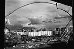 """Napoli, Scampia. Vista dalle """"Vele"""", edificio simbolo del degrado di Scampia"""