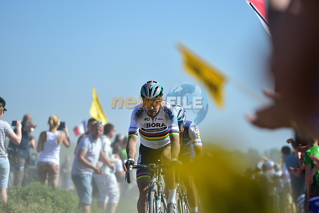 World Champion Peter Sagan (SVK) Bora-Hansgrohe on pave sector 14 Beuvry to Orchies during the 115th edition of the Paris-Roubaix 2017 race running 257km Compiegne to Roubaix, France. 9th April 2017.<br /> Picture: ASO/P.Ballet   Cyclefile<br /> <br /> <br /> All photos usage must carry mandatory copyright credit (&copy; Cyclefile   ASO/P.Ballet)