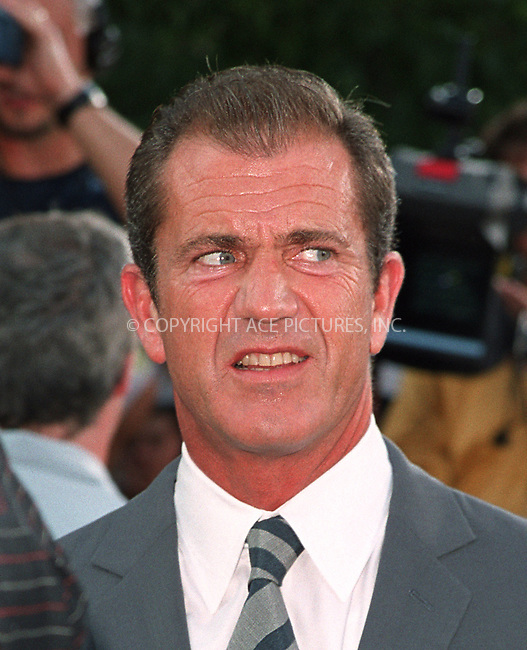 "Mel Gibson arrives at the world premiere of Touchstone Pictures' movie, ""Signs"" at Lincoln Center, New York. July 29, 2002. Please byline: Alecsey Boldeskul/NY Photo Press.   ..*PAY-PER-USE*      ....NY Photo Press:  ..phone (646) 267-6913;   ..e-mail: info@nyphotopress.com"