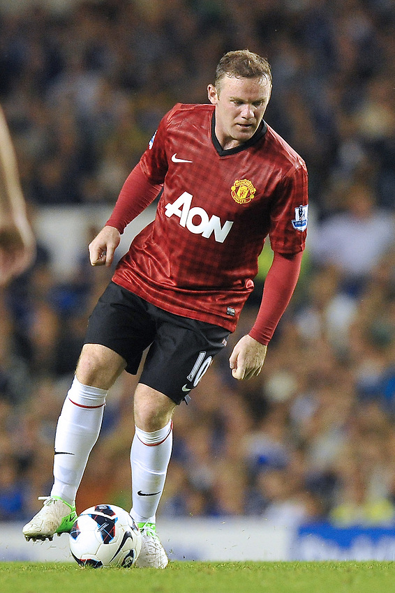 Manchester United's Wayne Rooney on the ball..Football - Barclays Premiership - Everton v Manchester United - Monday August 20th 2012 - Goodison Park - Liverpool..