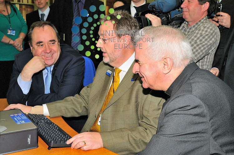 First Minister Alex Salmon, Cardinal Keith O'Brien and The Register General viewing the new Catholic Archives online dating back from 1703 and available at Scotland People Centre, Edinburgh.<br /> Picture 6 October 2009: Universal News and Sport (Scotland).All pictures must be credited to  www.universalnewsandsport.com.(0ffice) 0844 884 51 22.