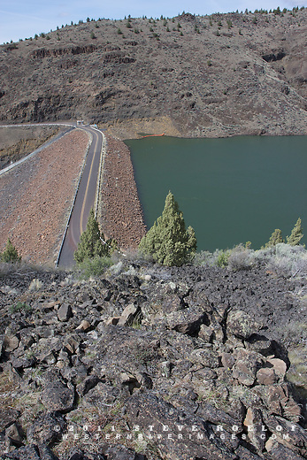 Highway 27 crosses the Arthur R. Bowman Dam along the Lower Crooked River Backcountry Byway, Oregon.