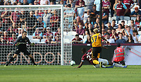 Wolverhampton Wanderers' Adama Traore scores his side's first goal  <br /> <br /> Photographer Rob Newell/CameraSport<br /> <br /> The Premier League - West Ham United v Wolverhampton Wanderers - Saturday 1st September 2018 - London Stadium - London<br /> <br /> World Copyright © 2019 CameraSport. All rights reserved. 43 Linden Ave. Countesthorpe. Leicester. England. LE8 5PG - Tel: +44 (0) 116 277 4147 - admin@camerasport.com - www.camerasport.com