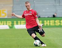 Philipp Ochs (Hannover 96)<br /> <br /> - 14.06.2020: Fussball 2. Bundesliga, Saison 19/20, Spieltag 31, SV Darmstadt 98 - Hannover 96, emonline, emspor, <br /> <br /> Foto: Marc Schueler/Sportpics.de<br /> Nur für journalistische Zwecke. Only for editorial use. (DFL/DFB REGULATIONS PROHIBIT ANY USE OF PHOTOGRAPHS as IMAGE SEQUENCES and/or QUASI-VIDEO)