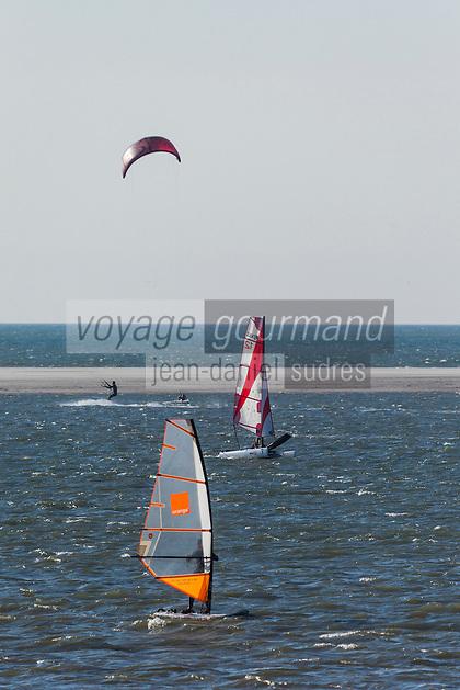 France, Pas-de-Calais (62), Côte d'Opale, Le Touquet: La baie de Canche au niveau niveau de la Base nautique du Touquet  //  France, Pas de Calais, Cote d'Opale (Opal Coast), Le Touquet: Canche Bay at the Boating Touquet level