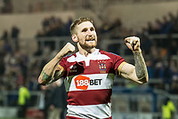 Picture by Allan McKenzie/SWpix.com - 13/04/2018 - Rugby League - Betfred Super League - Leeds Rhinos v Wigan Warriors - Headingley Carnegie Stadium, Leeds, England - Wigan's Sam Tomkins celebrates victory over Leeds by thanking the fans.