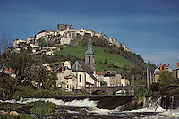 Europe/France/Auvergne/15/Cantal/ Saint Flour : ville perchée sur un roc basaltique sur les bords de l'Ander