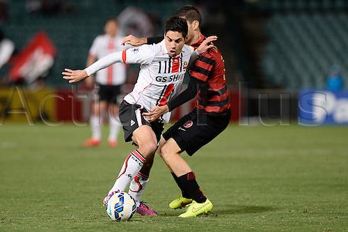 07.04.2015. Sydney, Australia. AFC Champions League. Western Sydney Wanderers v FC Seoul. Seoul forward Mauricio Molina in action.