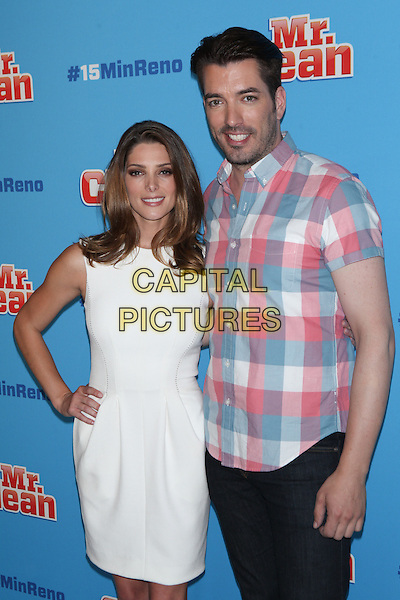 NEW YORK, NY - JULY 28: Ashley Greene and Jonathan Scott attend  'Mr. Clean's Moving Institute and  #15MINRENO' Event at 24th Street Loft on July 28, 2015 in New York City. <br /> CAP/MPI/COR<br /> &copy;COR/MPI/Capital Pictures