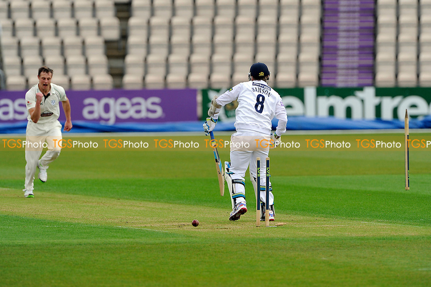 Morris of Worcestershire bowls Liam Dawson of Hampshire -Hampshire CCC vs Worcestershire CCC - LV County  Championship Cricket Match at the Ageas Bowl, Hampshire - 06/04/14 - MANDATORY CREDIT: Denis Murphy/TGSPHOTO - Self billing applies where appropriate - 0845 094 6026 - contact@tgsphoto.co.uk - NO UNPAID USE