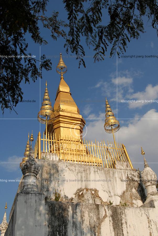 LAOS  Luang Prabang, buddhist <br /> Stupa That Chomsi  /  Luang Prabang, buddhistische Stupa That Chomsi gebaut 1804 auf einem Berg in der Stadt