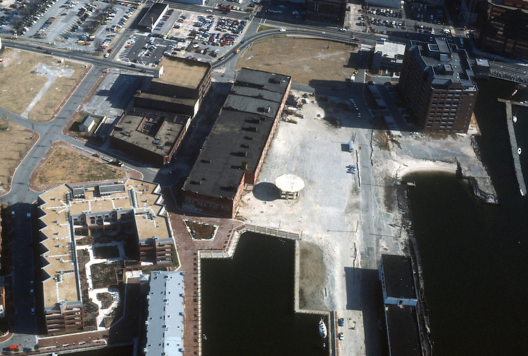 1987 January ..Redevelopment...Downtown West (A-1-6)..FREEMASON HARBOR...NEG#.NRHA#..